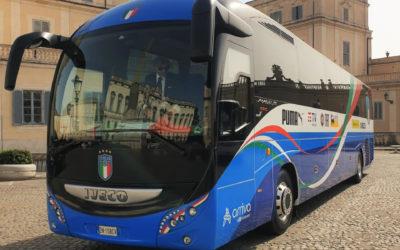 L'Italia Campione d'Europa torna a bordo di un Magelys, l'autobus ufficiale della Nazionale italiana di calcio fornito da IVECO BUS alla FIGC